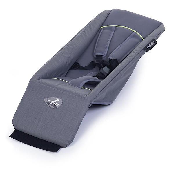 Bei diesem Angebot handelt es sich um die Babyschale für den TFK Joggster Velo; der mit abgebildete Wagen ist nicht Teil des Angebots.