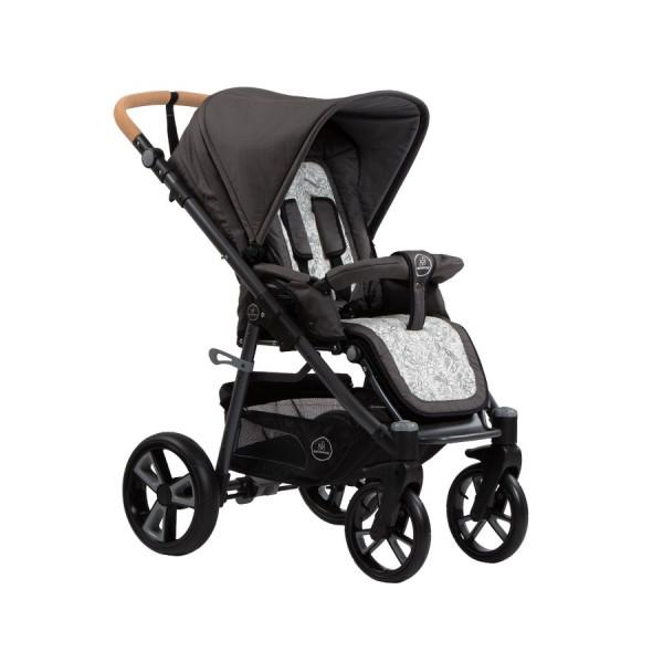 """Der Kinderwagen """"Lux"""" von Naturkind verbindet höchsten Komfort mit tollem Design und überzeugt mit seiner langen Nutzungsdauer. Hier in der Ausführung mit PE-Rädern."""